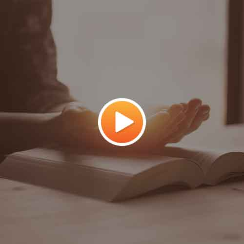 rezar-maos-biblia-coracao_playon